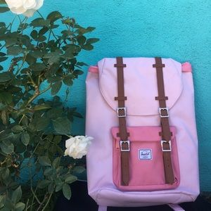 Herschel Little America Backpack in pink!